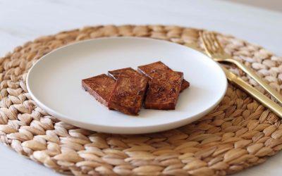 Tofu con salsa di soia e burro d'arachidi